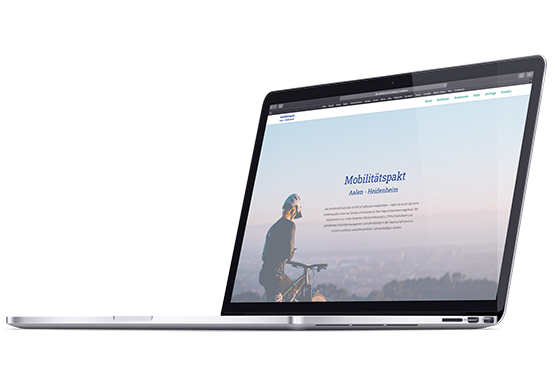 MacBook Mockup mit Startscreen
